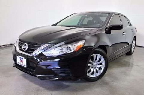 New 2017 Nissan Altima 2.5 SV FWD 4D Sedan