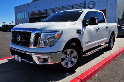 New 2017 Nissan Titan SV RWD Long Bed